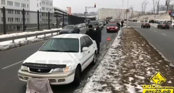 Несколько автомобилей столкнулись на острове Русском