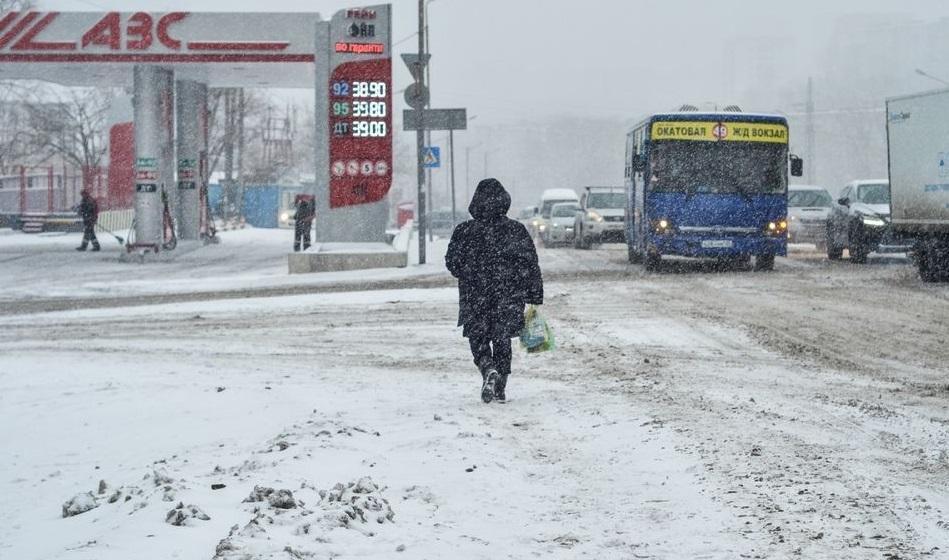 明天:另一场雪旋风进入滨海边疆区