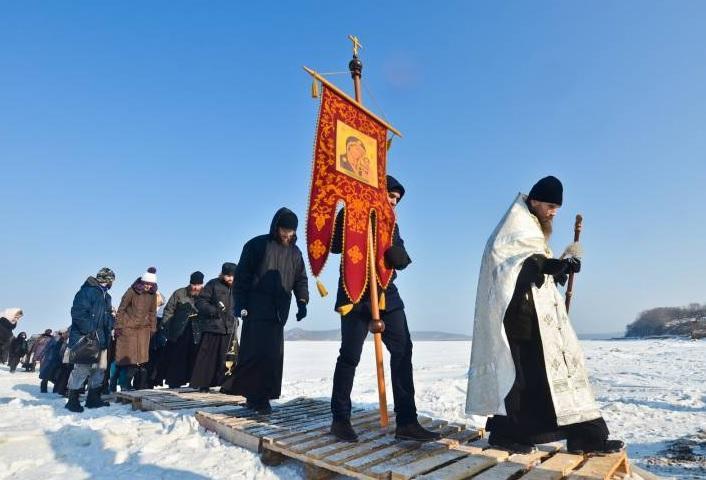 Православный туризм в Приморье: крещенские купания по билетам