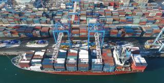 ВМТП увеличивает число обслуживаемых регулярных контейнерных сервисов