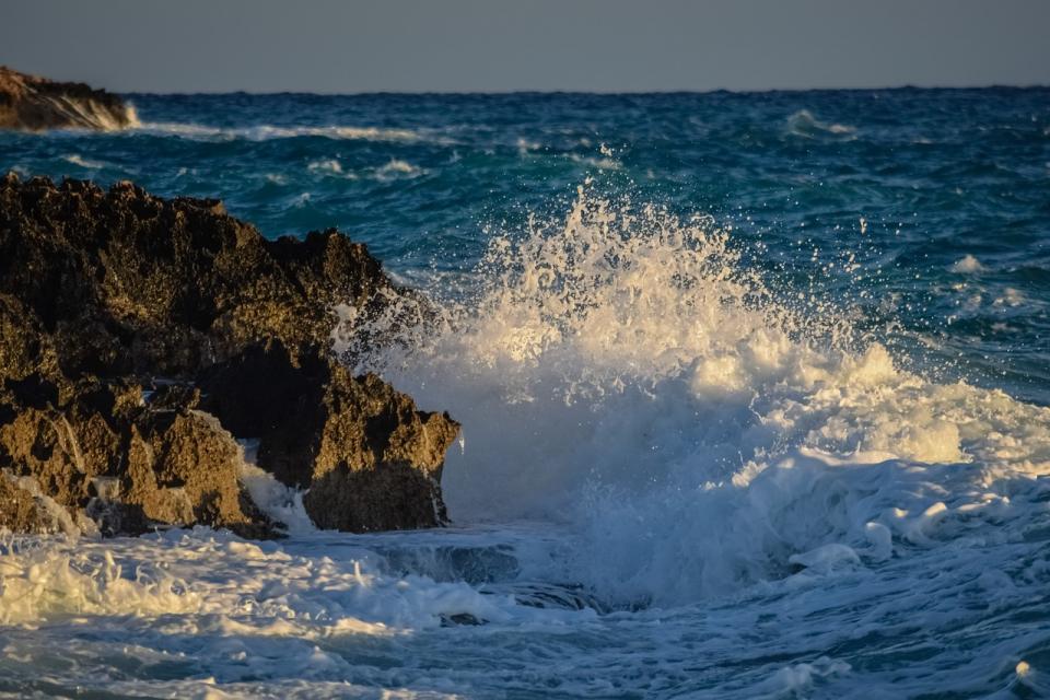 «На днях похоронили одного»: ситуацию на побережье Приморья обсуждают в Сети
