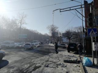 Фото: 25.мвд.рф | Во Владивостоке оштрафуют водителя, повредившего светофор