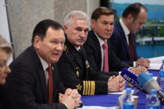 В Приморье собрано около 20 тысяч подписей за выдвижение Владимира Путина