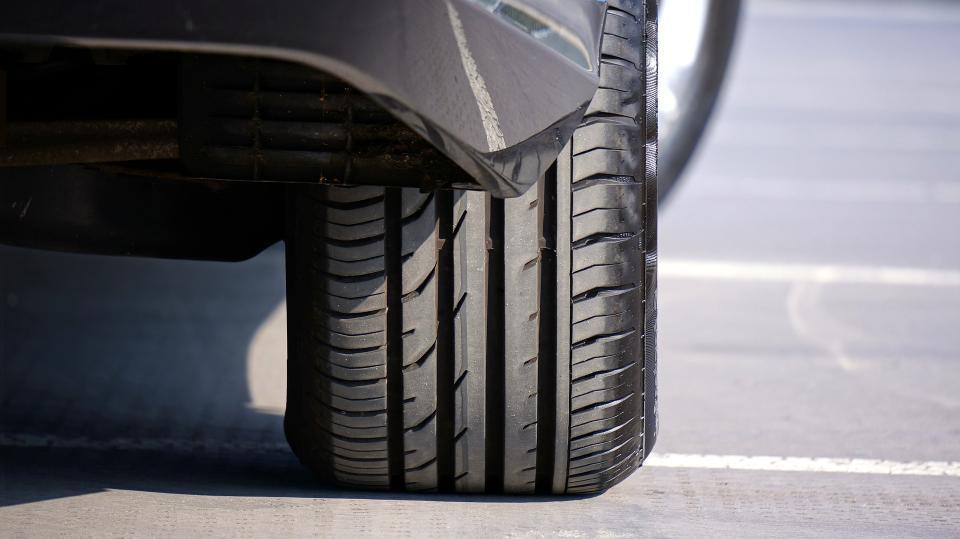 Приморец не смог завести свой автомобиль из-за пропажи важной детали