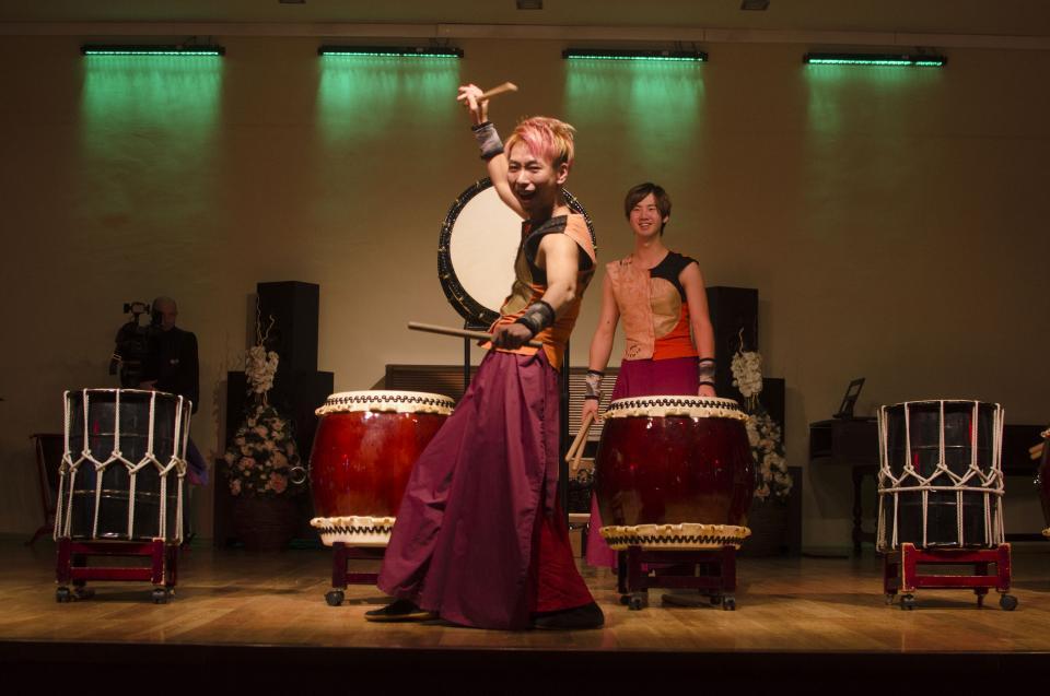 Группа японских барабанщиков выступила во Владивостоке