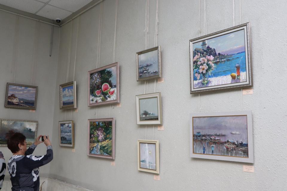 Романтика Приморья: выставка приморского пейзажиста открылась во Владивостоке
