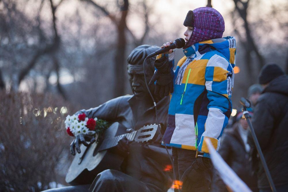 Во Владивостоке отметили день рождения Владимира Высоцкого