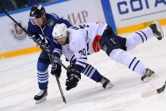 Защитник «Адмирала» подписал контракт с АХЛ