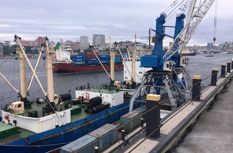 Рыбный порт Владивостока откажется от перевалки угля