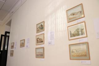 Фото: Екатерина Дымова / PRIMPRESS   «Владивостокская крепость в живописи Павла Куянцева» представлена в Музее города