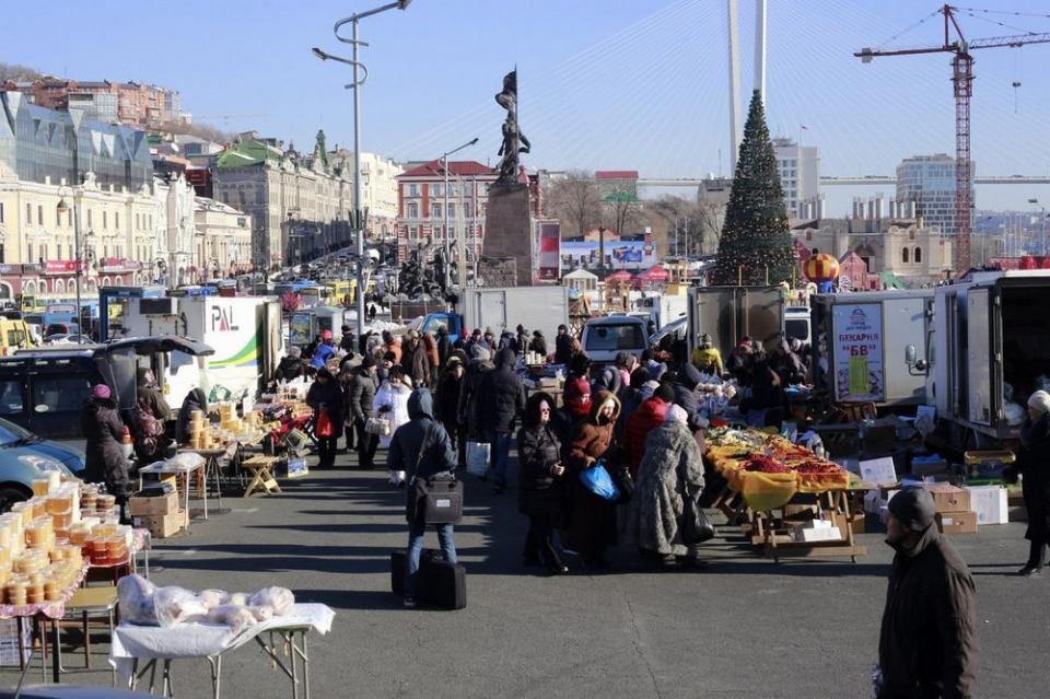 Уличный опрос: нужна ли ярмарка в центре Владивостока?