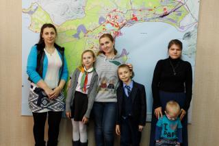 «Терминал Астафьева» помог еще трем семьям из Находки получить новые квартиры