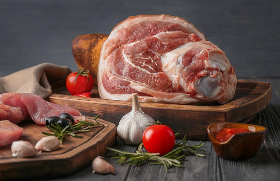 Свежее мясо в супермаркетах «Фреш 25» и «Радиус»