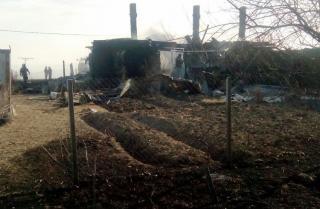 Крупный пожар уничтожил два жилых барака в Приморье