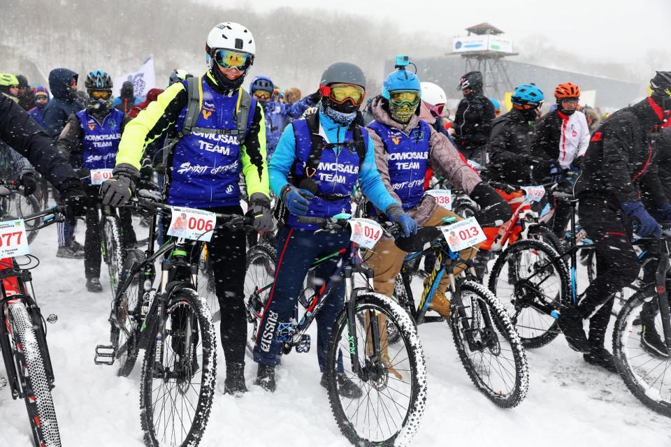 Снег, ветер и буря эмоций: сотни экстремалов преодолели «Тур острова Папенберг»