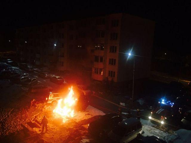 В Приморье сожгли джип сити-менеджера Большого Камня