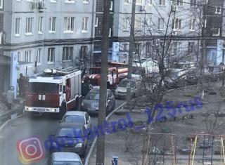 Сигаретный окурок стал причиной пожара в многоквартирном доме во Владивостоке