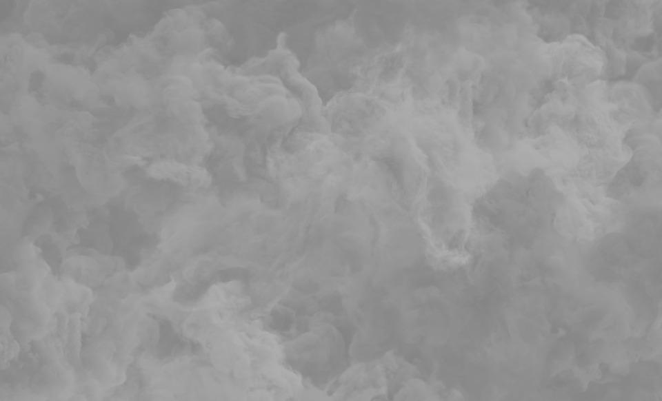 Жители приморского города задыхаются от запаха гари