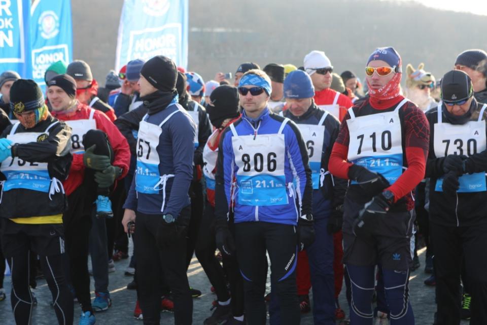 В зимнем полумарафоне во Владивостоке приняли участие жители России и десяти стран мира