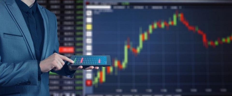 Вирусная паника. Рубль, акции и гособлигации камнем полетели вниз