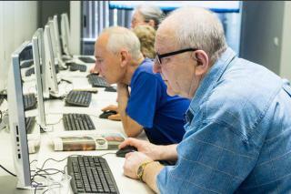Фото: mos.ru | «Будет выплачиваться с мая». ПФР рассказал о прибавке для работающих пенсионеров
