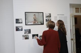 Фото: Екатерина Дымова / PRIMPRESS | «Анна и ее женщины»: необычная выставка открылась во Владивостоке