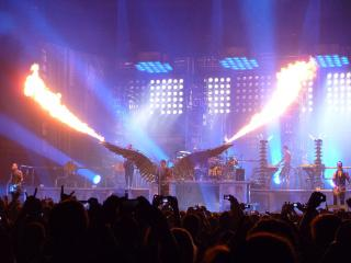 Фото: wikipedia.org | Российские феминистки выступили против концерта лидера Rammstein