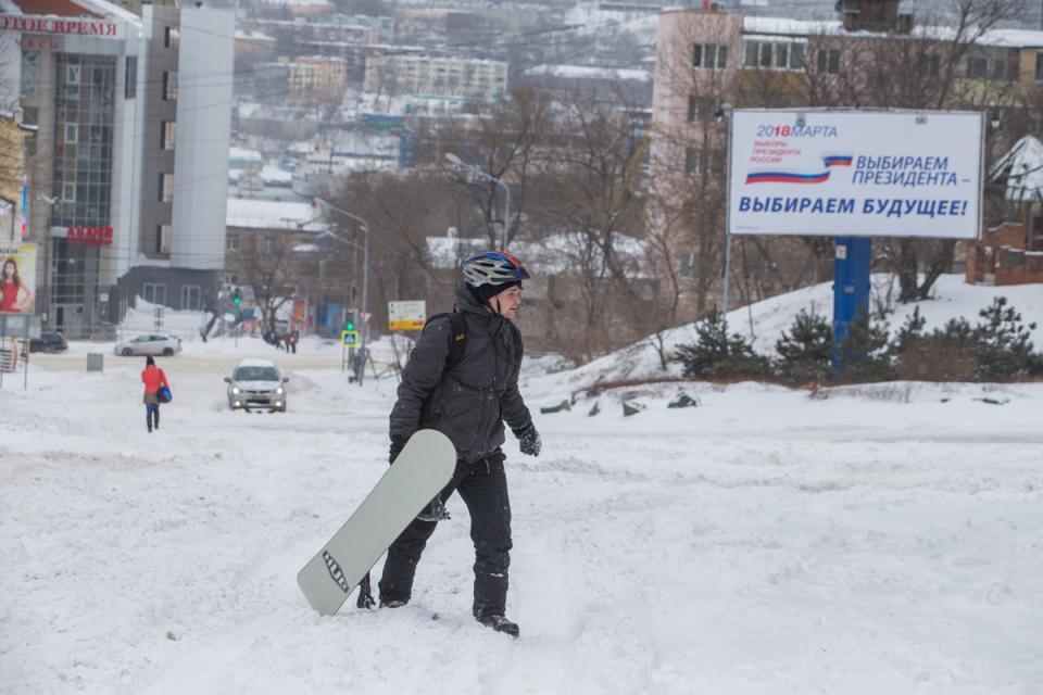 Снег – подарок жителям Владивостока на 8 Марта