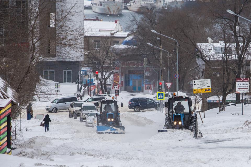 Глава Владивостока просит горожан помочь в уборке снега