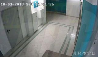 Приморцев возмутило видео, снятое в подъезде дома во Владивостоке