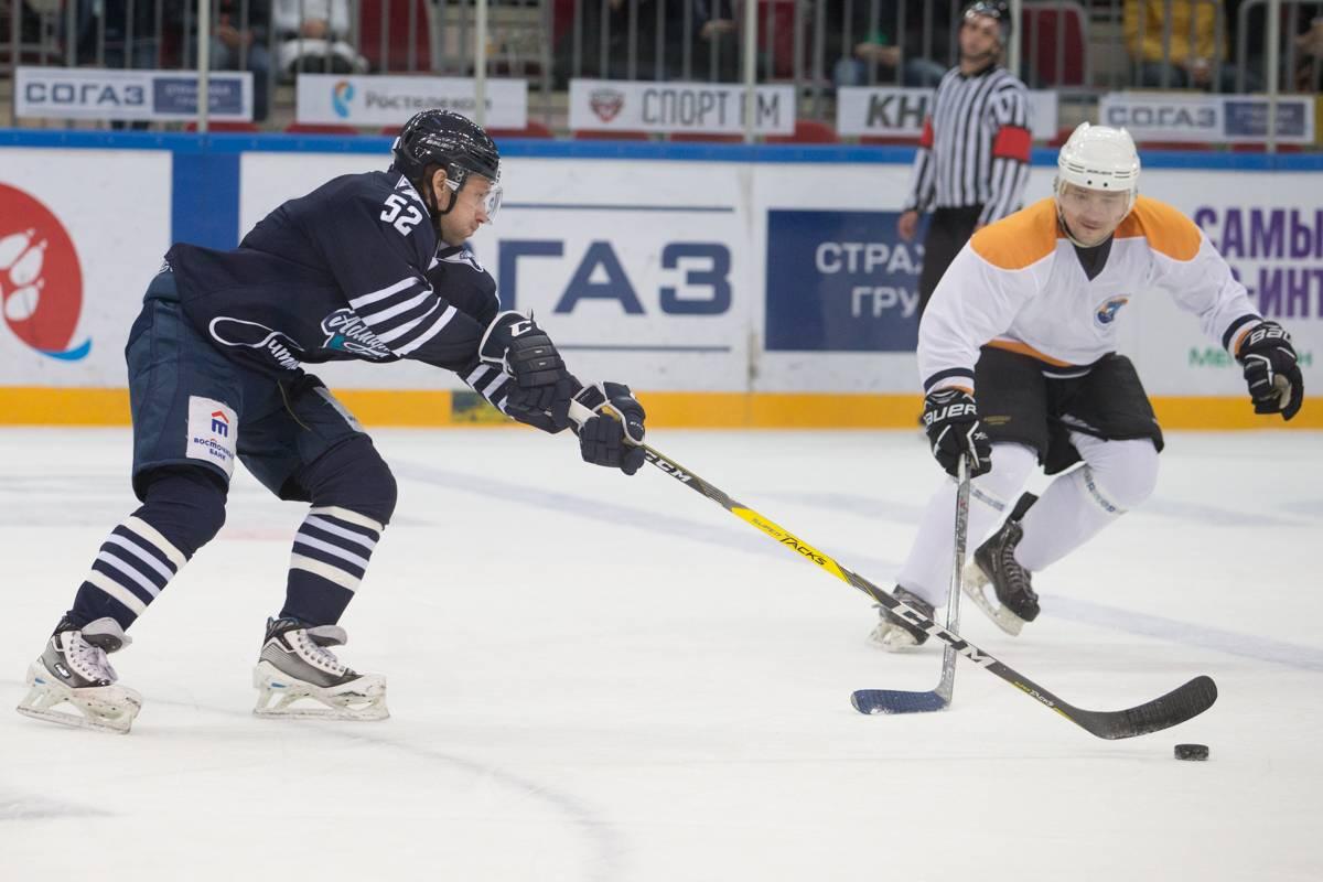 Во Владивостоке состоялся второй товарищеский хоккейный матч между «Адмиралом» и сборной ВМТП
