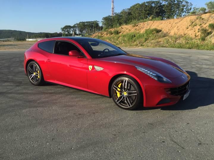 Владелец суперкаров: «Ferrari– это сочетание шарма, комфорта, мощи и стиля»