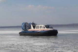 Двух студентов спасли с отколовшейся льдины во Владивостоке