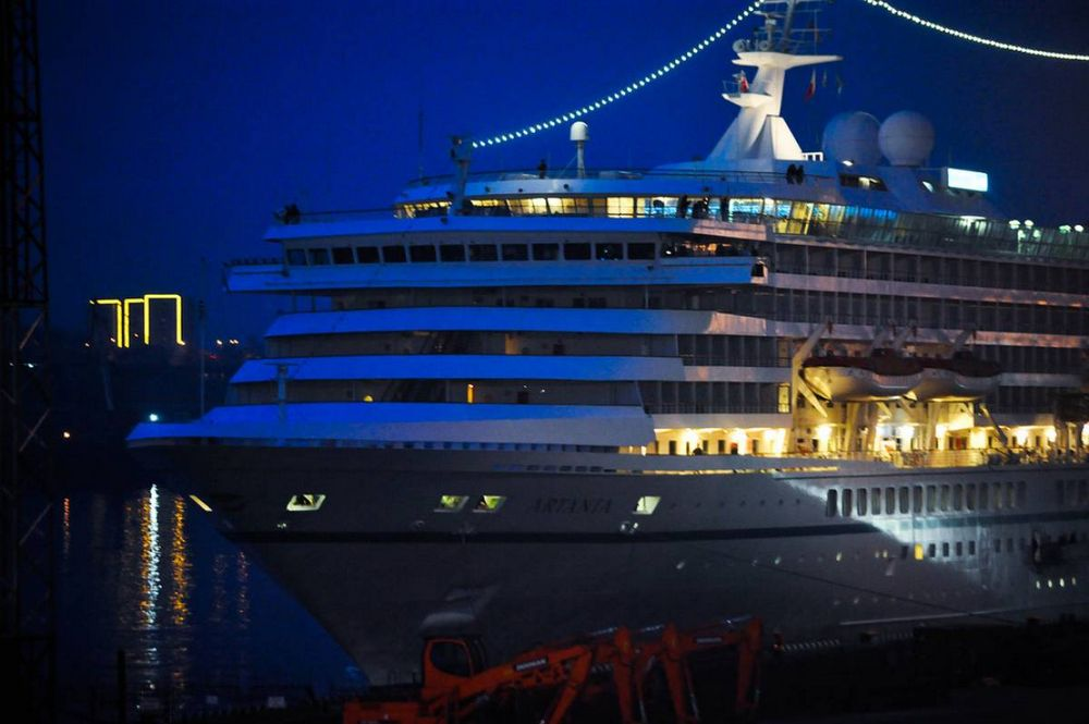 Первый в этом году круизный лайнер прибыл во Владивосток