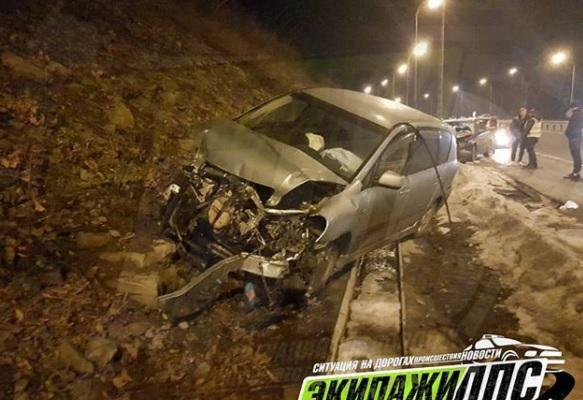 Две автоледи не поделили дорогу во Владивостоке