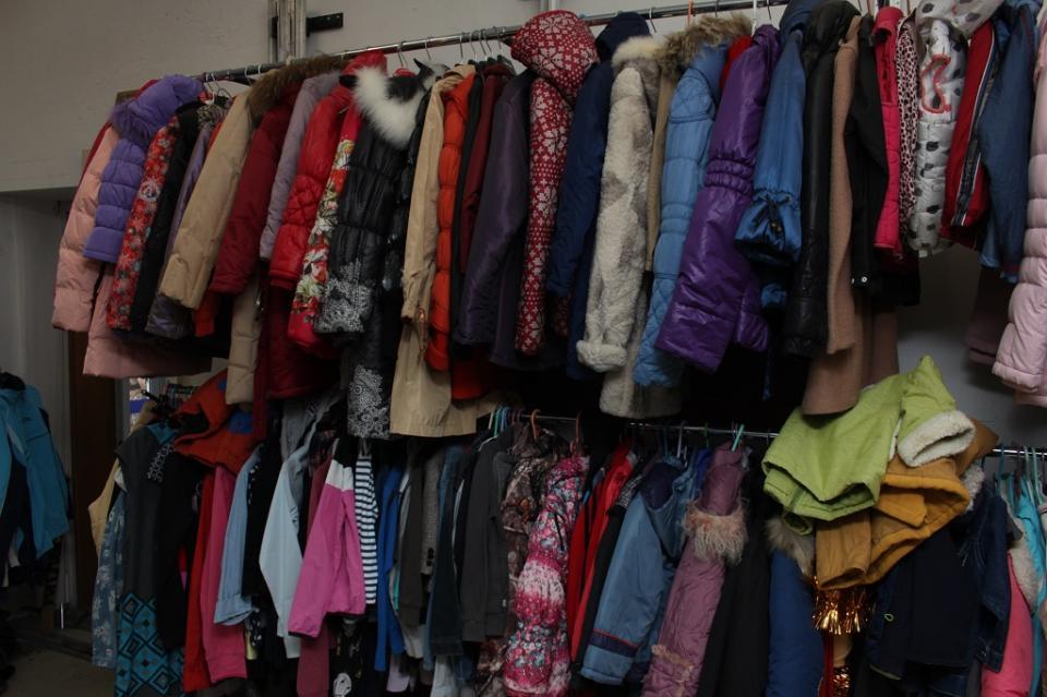 Секонд-хенд – недорогая брендовая одежда или усовершенствованная комиссионка?