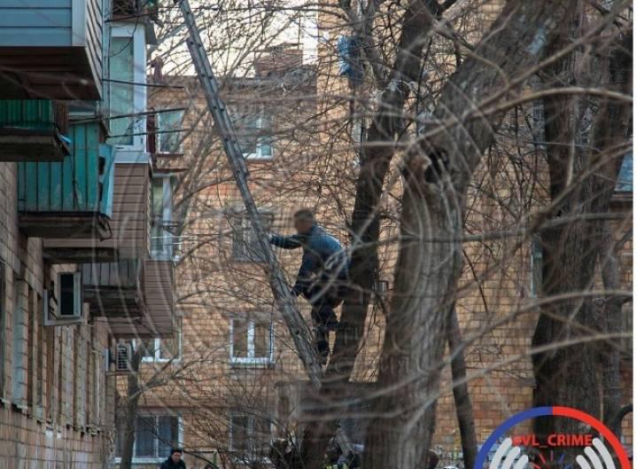 Нетрезвый  парень  сножом захватил девушку воВладивостоке