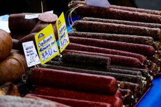 Более полутонны колбасы изъяли в Приморье