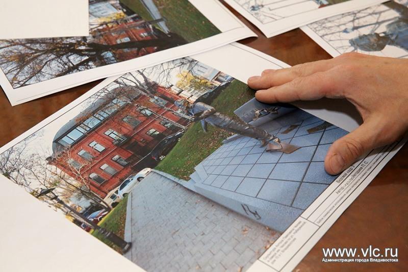Посетившему Владивосток писателю установят памятник