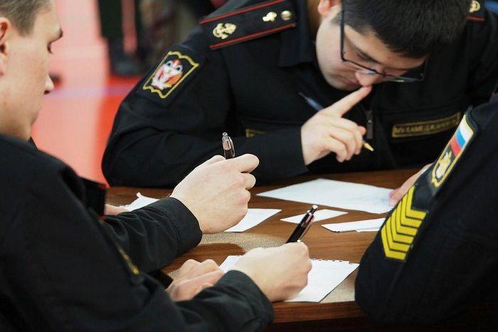 Близкие к «Лукойлу» бизнесмены освоят военные миллиарды во Владивостоке