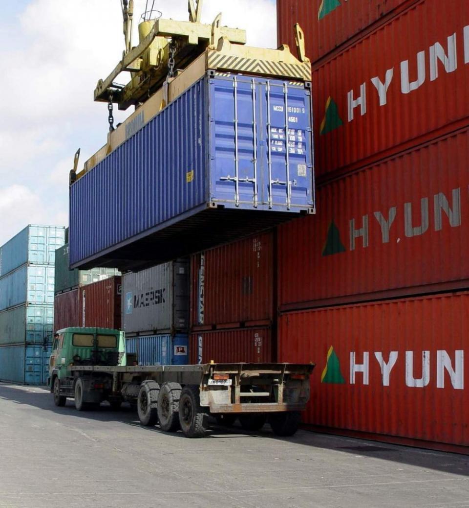 Экспорт против импорта: экономическая реальность ДФО за 20 лет