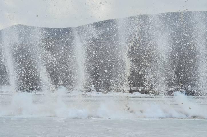 На реках Приморья прозвучали первые взрывы