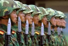 Японским военным разрешили применять оружие