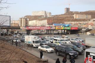 Фото: Екатерина Дымова / PRIMPRESS   Очередная опасность. Во Владивостоке разрушается виадук на Баляева