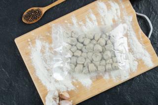 Фото: freepik.com | Пельмени известной торговой марки запретили продавать в Приморье