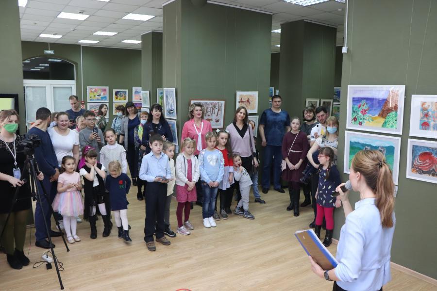 Природа Приморья глазами детей: во Владивостоке открылась выставка «От морских глубин до горных вершин»
