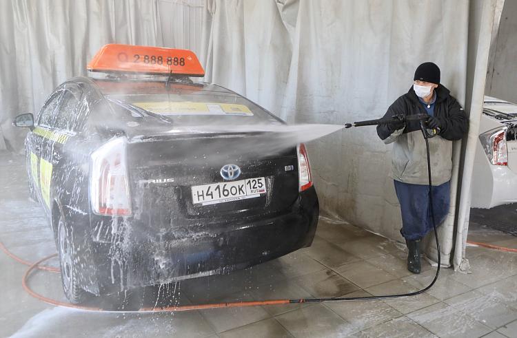 Пункты санобработки общественного транспорта и такси открыты во Владивостоке