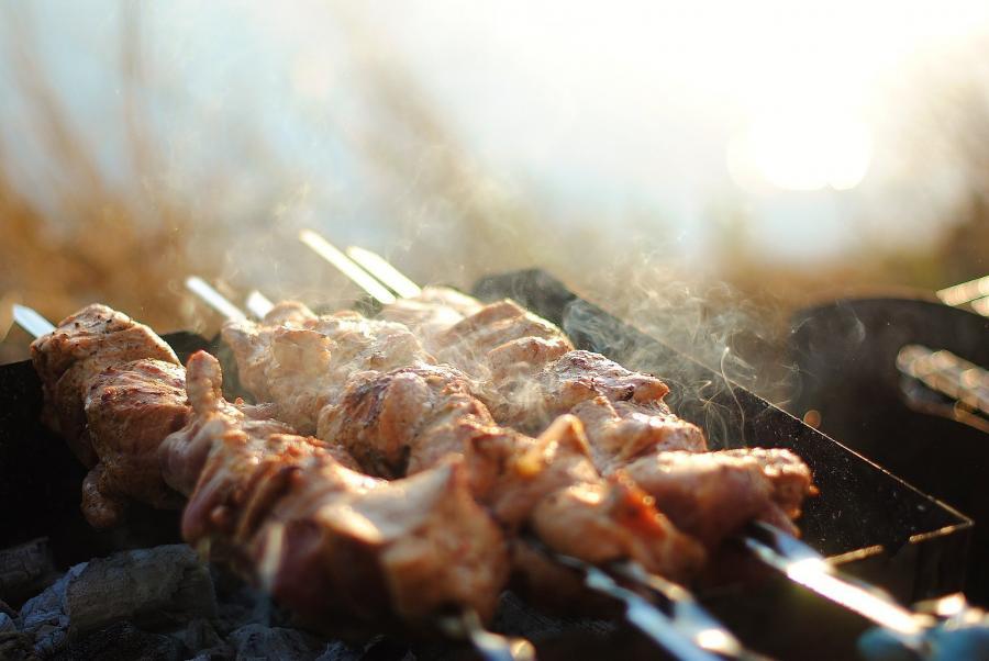«Это очень страшно»: попытка пожарить шашлыки закончилась жутким ЧП в Приморье
