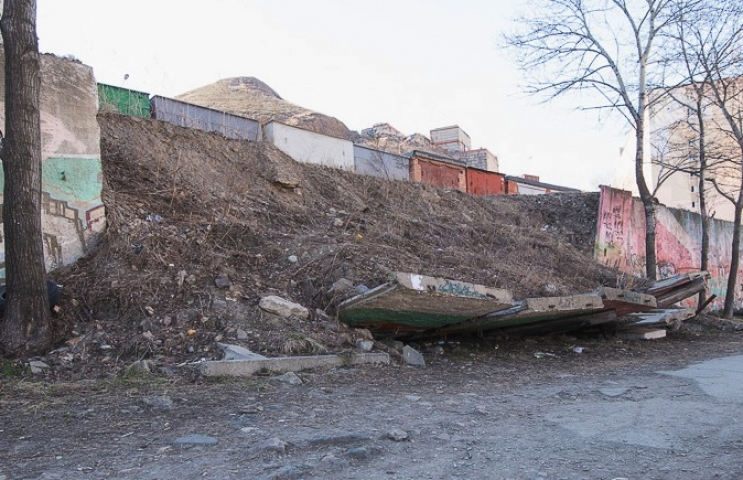 АНТИРЕЙТИНГ: топ-10 разрушенных подпорных стен во Владивостоке