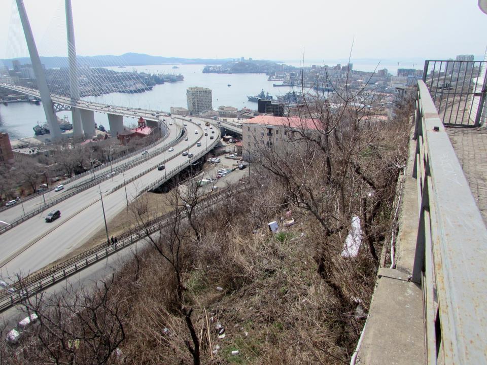 Владивосток с видом на мусор